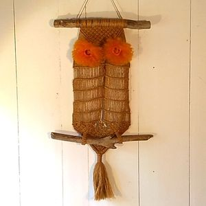 vtg macrame owl wall hanger